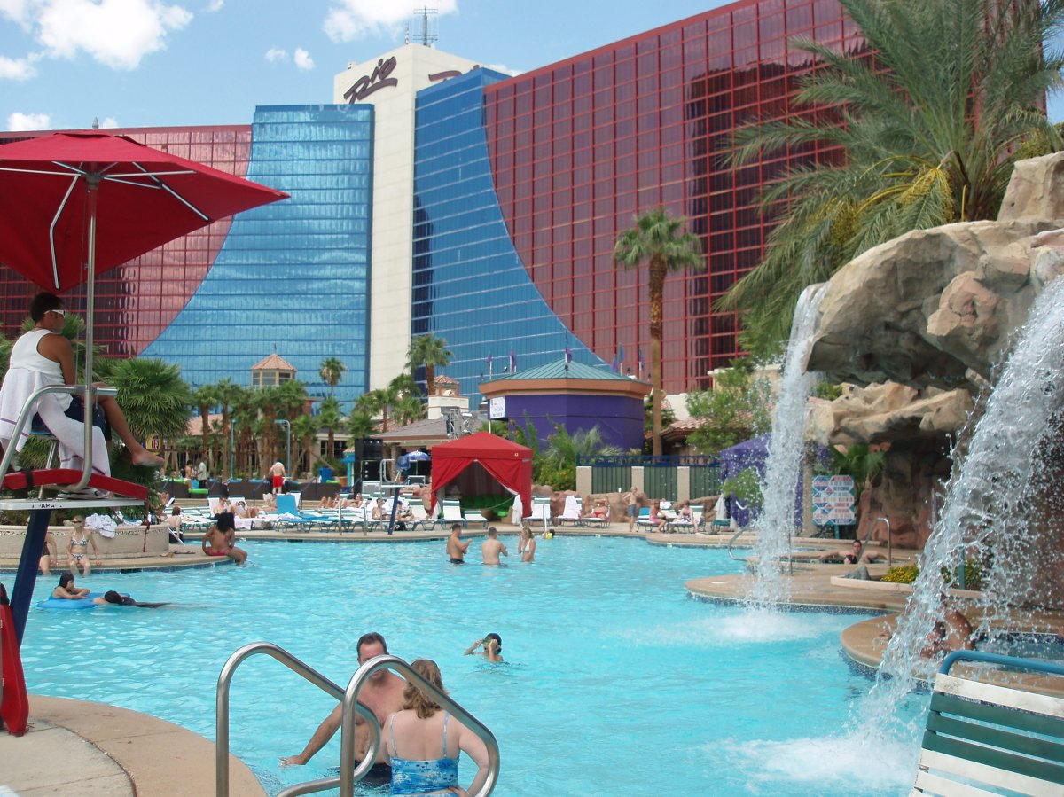 Swimming Pool At The Rio Hotel In Las Vegas Sweetpea London 39 S Travels